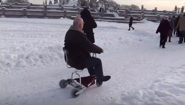 SnowTravelScoot